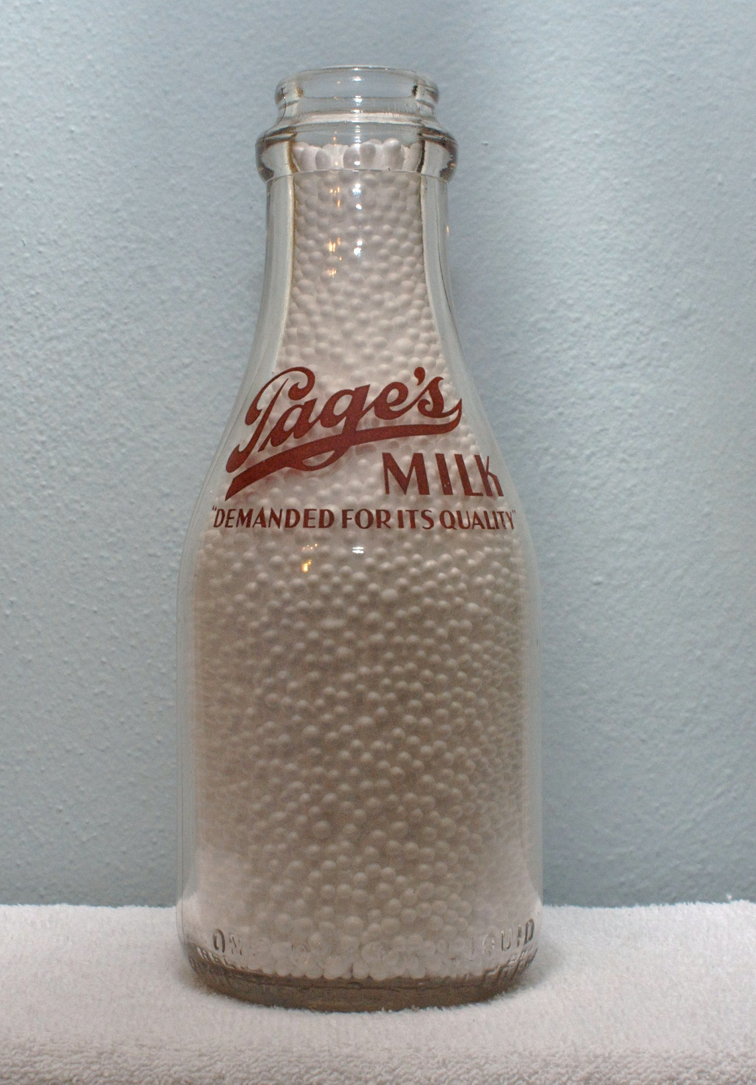 Limited Edition Pages Quart Milk Bottle 1930-1940s Demanded for its Quality