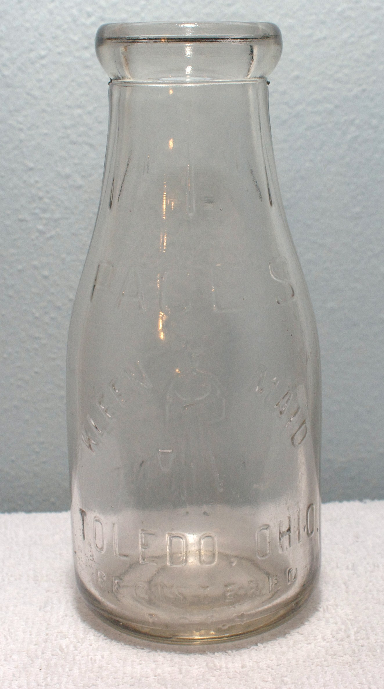 Pages Kleen-Maid Pint Milk Bottle Mid 1920s