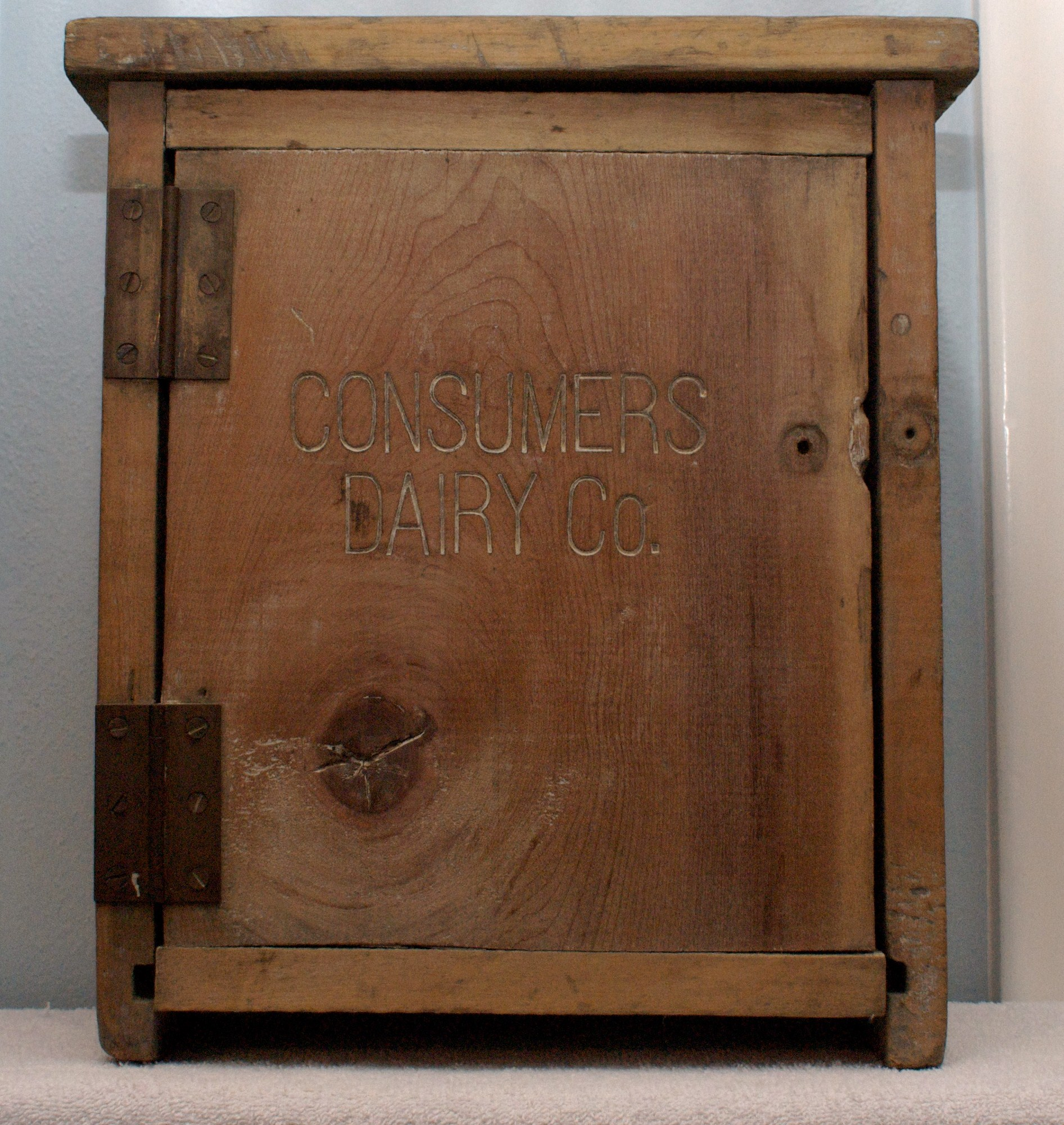 Consumer Dairy Wooden Milk Box