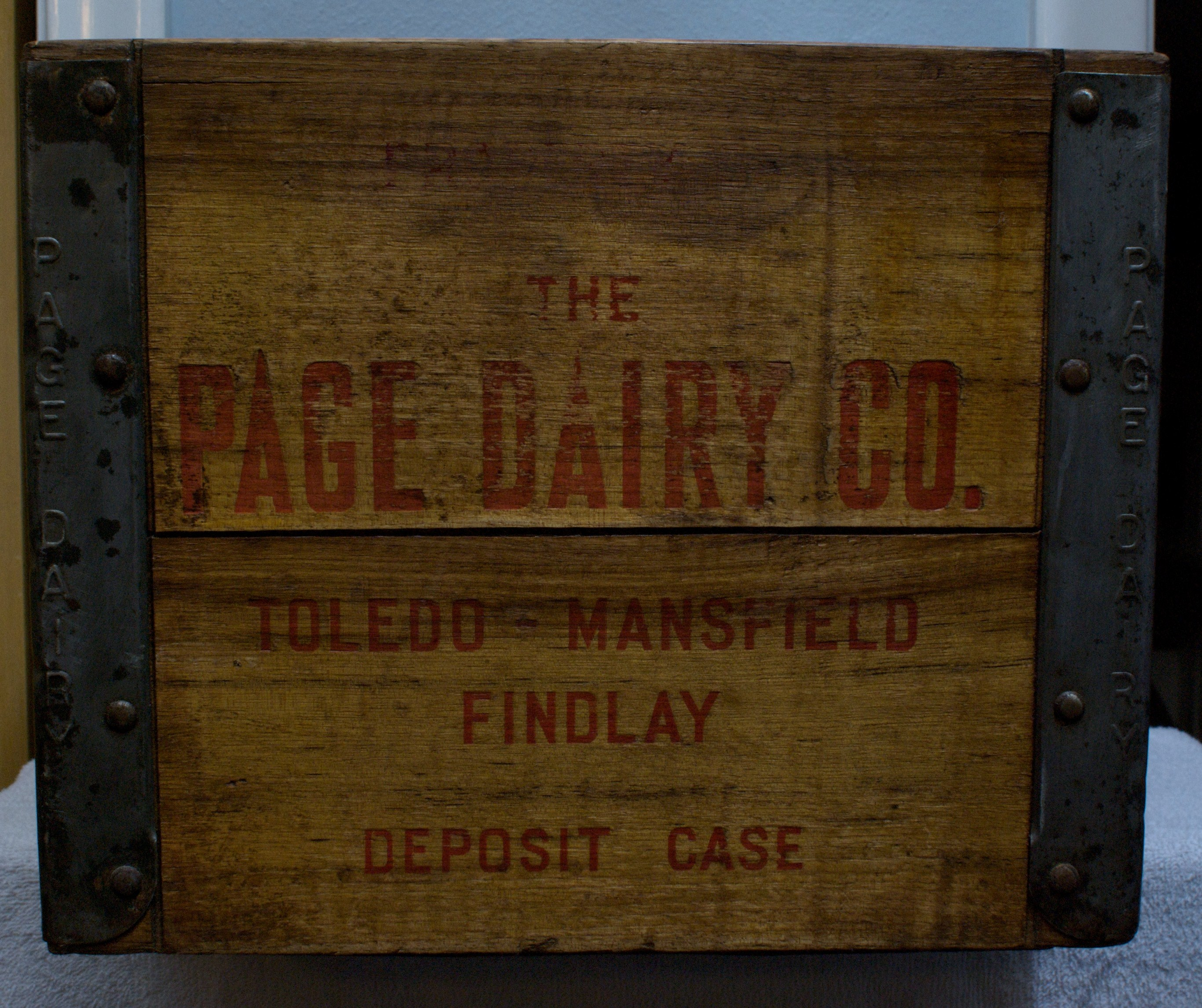 Page Dairy Wooden Milk Case